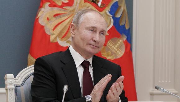 Una de las estrategias clave de Moscú, según el informe, era utilizar a la inteligencia rusa para difundir afirmaciones y narrativas engañosas en medios de comunicación y estadounidenses. (Foto: EFE)