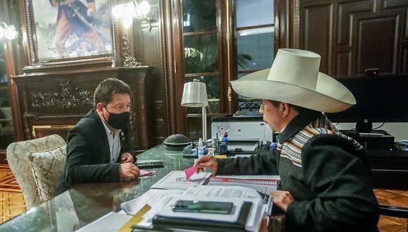Pedro Castillo y Guido Bellido se reunieron esta mañana en Palacio de Gobierno. (Foto: Presidencia)