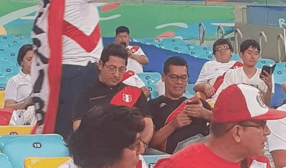 Congresista Salvador Heresi estuvo en el estadio Maracaná alentando a la selección peruana, mientras las bancadas debaten proyectos del ejecutivo. (Twitter)