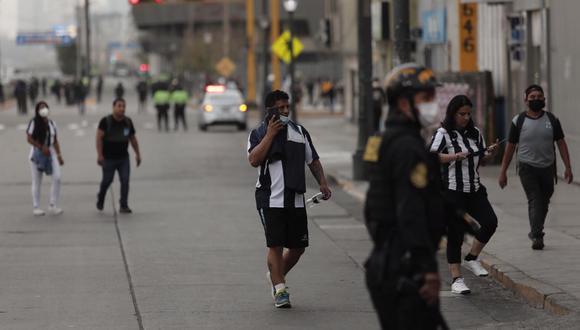 Los hinchas de Alianza llegaron hasta el Estadio Nacional. (Fotos: Leandro Britto / @photo.gec)
