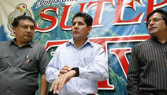 Secretario del Sutep afirma que la huelga se suspende, pero que la lucha continúa. (Luis Gonzáles)