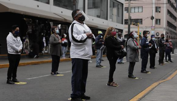 La cantidad de casos confirmados de coronavirus aumentó este lunes, informó el Minsa. (Leandro Britto/GEC)