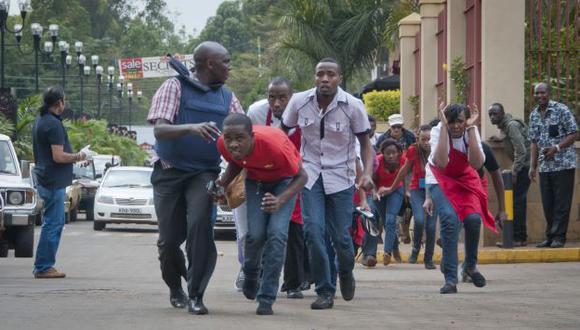 Los clientes del Westgate son kenianos ricos y extranjeros. Se calcula que había 3 mil personas a la hora del ataque. (AP)