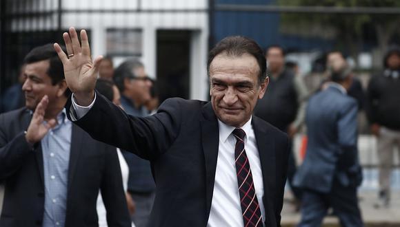 El congresista de Fuerza Popular Héctor Becerrilnegó que se esté victimizando luego de hacer público ayer un presunto intento de asalto (Foto: GEC)
