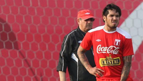Markarián no tomó en cuenta al 'Loco' Vargas, cuyo futuro es incierto. (USI)
