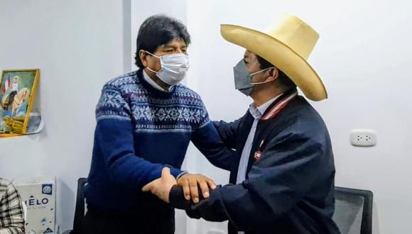 """""""Un analista decía en televisión que Morales tiene derecho a venir y relativizaba su visita. Es obvio que goza de ese derecho, pero los peruanos no podemos subestimar lo que ello significa"""". (Foto: Evo Morales / Twitter)"""