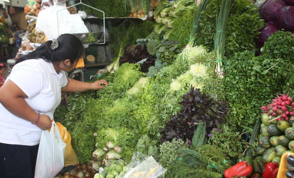 Entre los beneficios del consumo diario de frutas y verduras destacan el aporte de la vitamina A (bajo la forma de betacaroteno) y vitamina C. (Foto: Difusión)