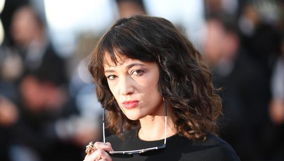 Cadena de televisión decidió retirar episodios por los escándalos que relacionan a un menor de edad con la actriz Asia Argento.  (Foto: AFP)