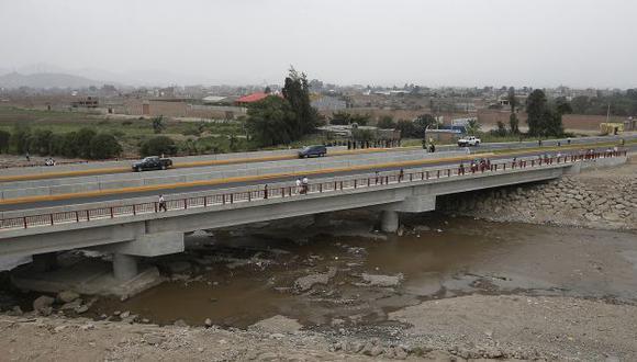 Puente beneficiará a más de 22 mil habitantes. (Ministerio de Vivienda)