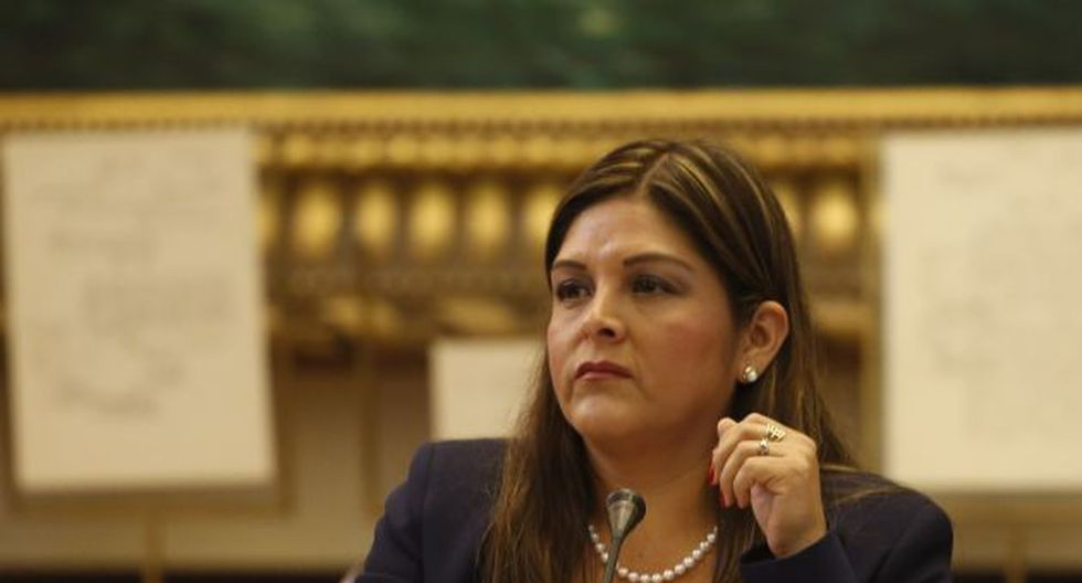 Karina Beteta espera que el gobierno cumpla con pagar las pensiones a militares y policías.