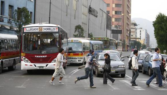 Reforma del transporte: Pasajeros podrán ser multados hasta con S/.3,800. (Luis Gonzales)