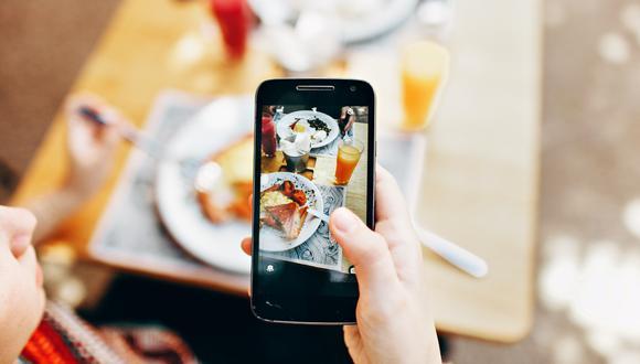 La respuesta de los propietarios de un restaurante en España a una influencer que quería comer gratis a cambio de videos y fotos promocionándolos se hizo viral en redes sociales.   Crédito: Pexels / Referencial