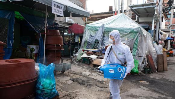 La mayoría de los contagios y muertes se concentran en la región de Daegu, al sur. (EFE).