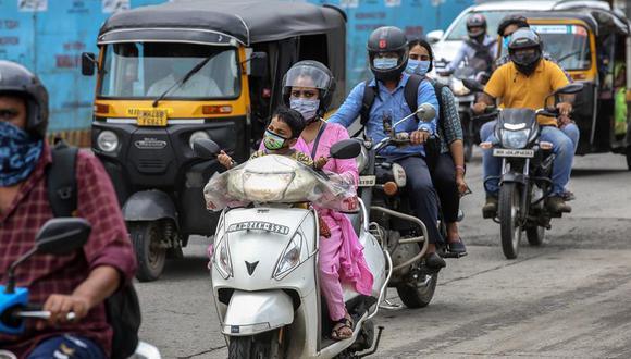 Los números de la India superan los 77.299 contagios registrados por Estados Unidos el pasado 16 de julio, y alcanzó un total desde el inicio de la pandemia de 3.621.245 casos. (Foto: EFE/EPA/DIVYAKANT SOLANKI)