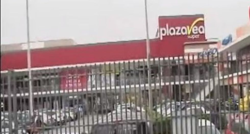 Jovn perdió los dedos en accidente al interior de supermercado. (Captura)
