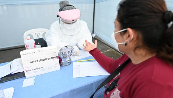 La campaña incluyó también el control de glucosa para una detección temprana de diabetes. (MML)
