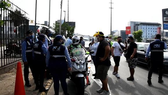 Agresión a fiscalizadores de la ATU ocurrió cerca al Jockey Plaza durante operativo contra servicio informal de transporte. (Captura: ATU)
