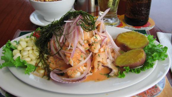 El cebiche es un plato bandera del Perú. (Foto: Kumix)