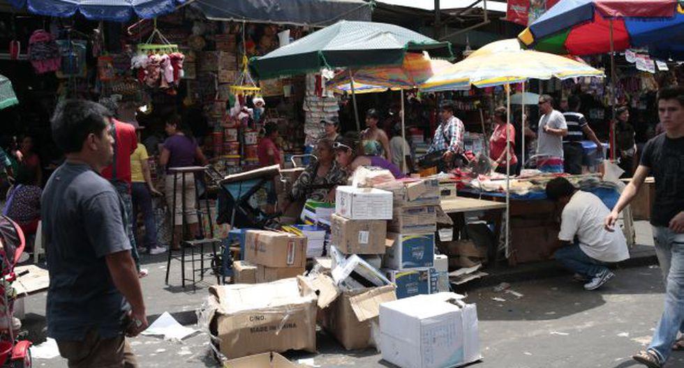 El caos se ha apoderado de vías principales del Centro de Lima debido a que no existe una adecuada fiscalización. (C. Fajardo)