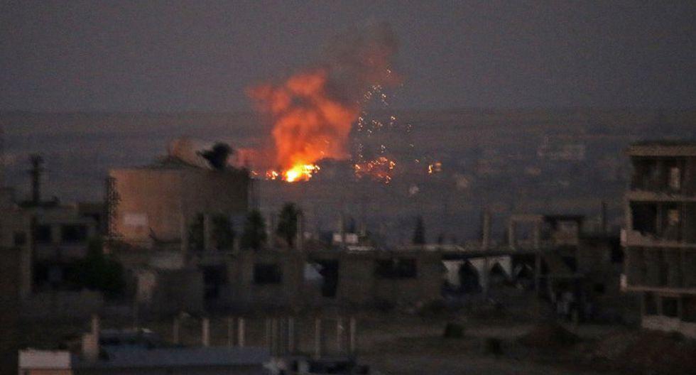 """Según el Observatorio Sirio de los Derechos Humanos, un """"probable disparo de misil israelí alcanzó un depósito de municiones, provocando violentas explosiones sucesivas"""". (Foto: AFP)"""