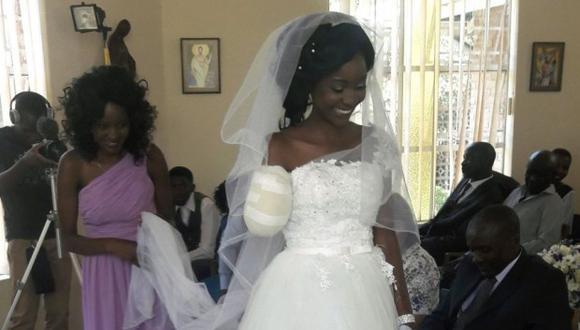 Zanele Ndlovu se casó cinco días después de haber sido atacada por un cococdrilo. (Foto: AP)