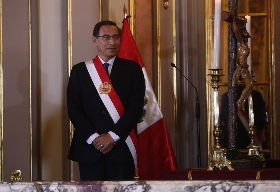Martín Vizcarra tomó juramento en una ceremonia que empezó poco después de las 4 p.m. (Foto: GEC)