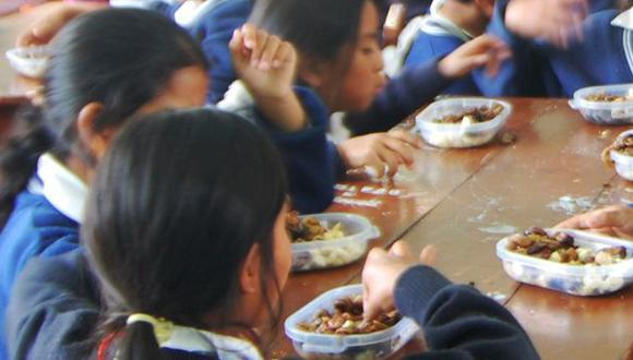Los niños resultan los más perjudicados con las falencias del programa. (Andina)