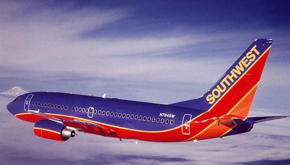 Aerolínea pidió disculpas pero justificó la actitud de su empleado. (Internet)