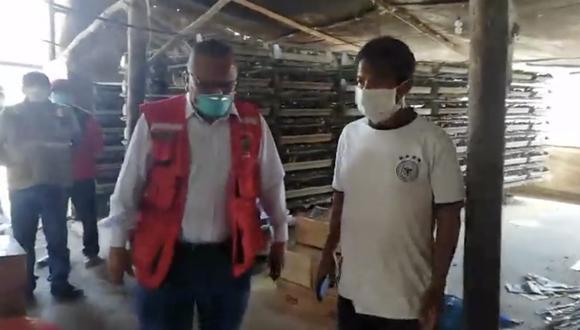 Coronavirus en el Perú: Municipalidad de Lurín entrega 100 sacos de alimento para codornices a productor en crisis. (Facebook)