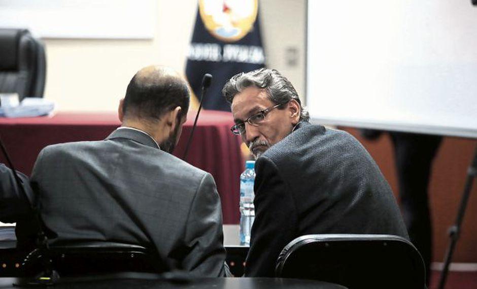 José Paredes, hermano del exministro, habría cobrado coimas a compañías.