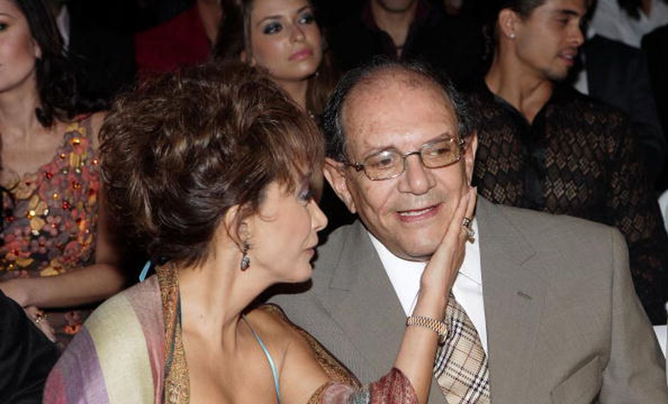 María Antonieta de las Nieves junto a su esposo Gabriel Fernández. (GETTY)