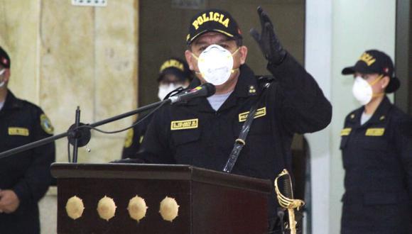 El comandante general de la Policía Nacional del Perú, general PNP Orlando Velasco Mujica, permanece internado tras dar dio positivo a la prueba de descarte del COVID-19. (Foto: PNP)
