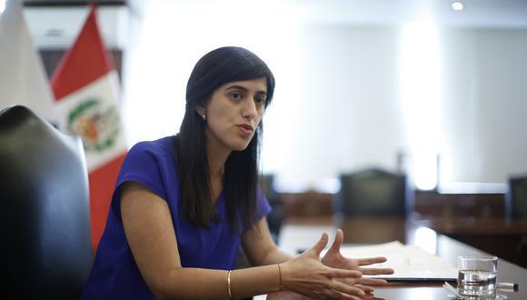 """""""En esta fase lo que sí pedimos es mucha responsabilidad de las empresas para cumplir con los protocolos"""", dijo la ministra María Antonieta Alva. (Foto: GEC)"""