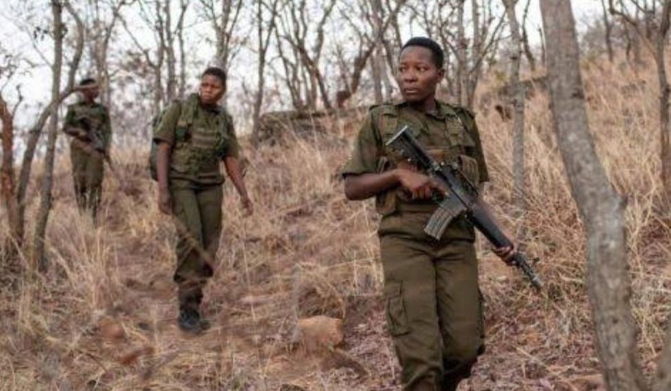 La unidad está conformada por mujeres que en el pasado sufrieron maltrato o abusos. (AFP)