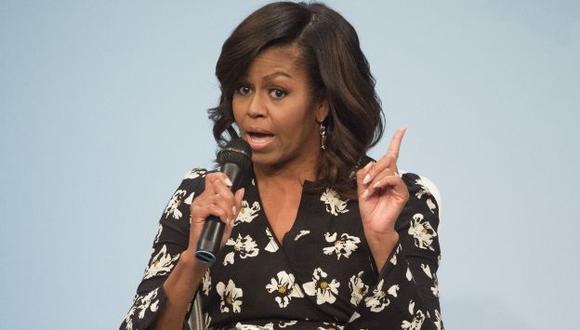 """Funcionaria llamó """"simio en tacos"""" a Michelle Obama y fue despedida. (AP)"""