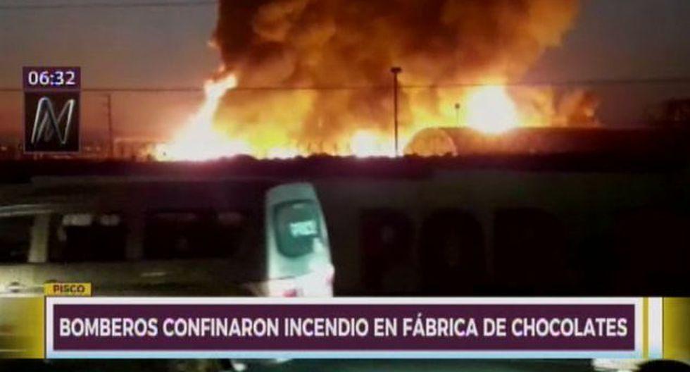 Incendio aún no fue controlado. (Foto: Captura/Canal N)