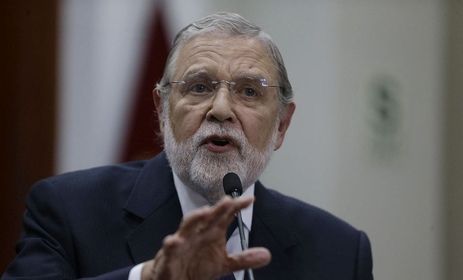 """El presidente del Tribunal Constitucional, Ernesto Blume, dijo que el fallo sobre el reglamento del Congreso debe cumplirse """"en sus propios términos"""". (Foto: GEC)"""
