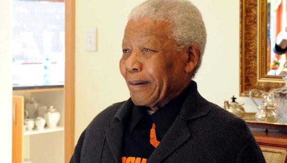 Nelson Mandela recibe tratamiento en su domicilio de Johannesburgo. (AFP)