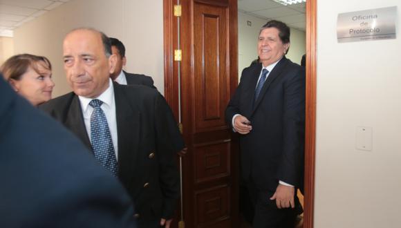 ESCUDO JUDICIAL. Alan García se amparó en sentencia para no contestar sobre temas incómodos. (Martín Pauca)