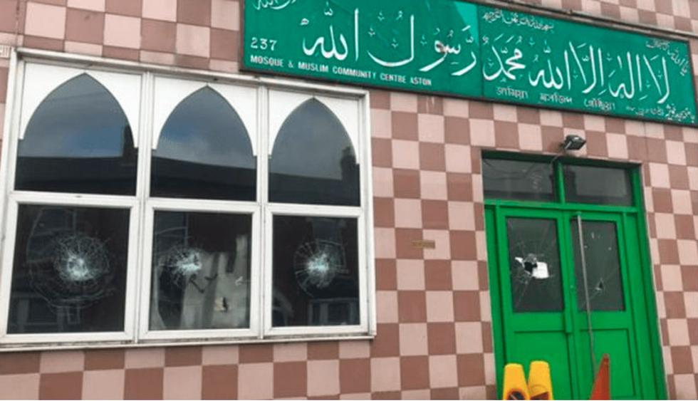 Investigan ataque a cinco mezquitas en Birmingham. (Foto: Captura - @lopezdoriga)