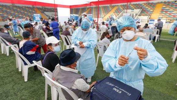 El Minsa contratará a más de 3 mil enfermeras para acelerar vacunación contra el COVID-19 (Foto: Andina)