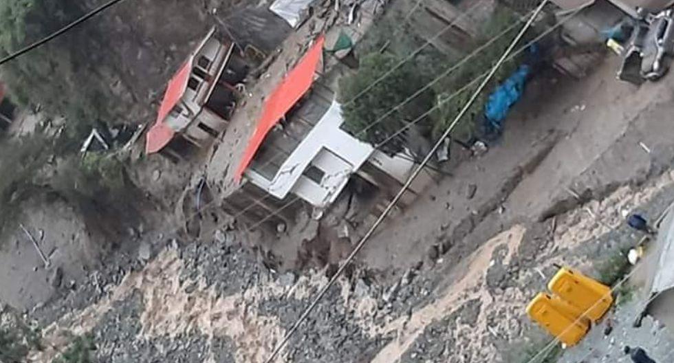 La Libertad:.Huaico arrasó con cinco casas y puente peatonal (Foto: Pataz al Día)