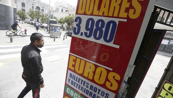 El dólar acumula una ganancia de 9.84% en el mercado cambiario en lo que va del 2021. (Foto: Jorge Cerdán / GEC)