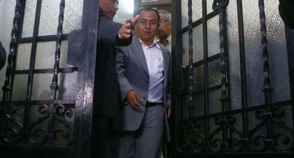 BOCA CERRADA. Santos guardó silencio sobre decisión congresal que lo pone en manos de la Fiscalía. (Rafael Cornejo)