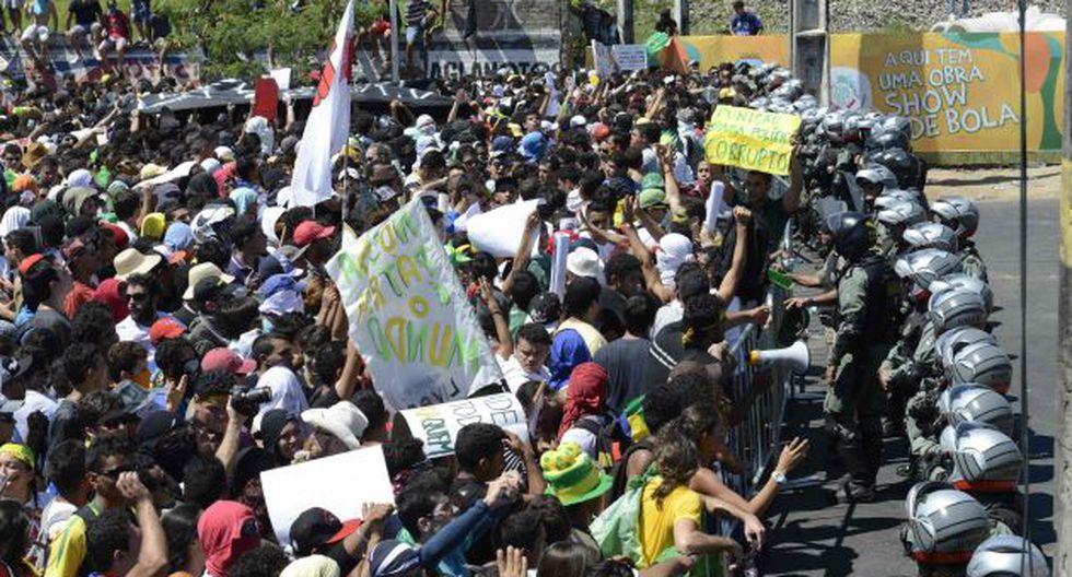CEDIERON Manifestantes ganaron batalla a las autoridades. (Reuters)