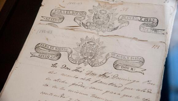 Los agentes federales del Departamento de Protección del Patrimonio Cultural de la Interpol-Buenos Aires y las autoridades peruanas trabajaron en conjunto para recuperar los manuscritos. (Foto: La Nación)