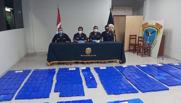 Ucayali: efectivos hicieron el conteo de los paquetes de droga en la comisaría Von Humboldt.