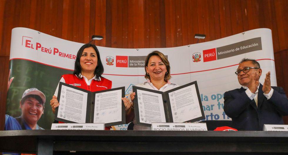 El convenio fue firmado por la ministra de Educación, Flor Pablo, y de la Producción, Rocío Barrios. (Produce)