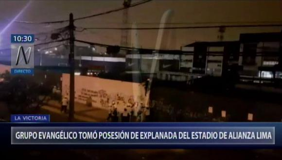 Los evangelistas llegaron al estadio y pintaron las paredes. (Foto: Captura/Canal N)