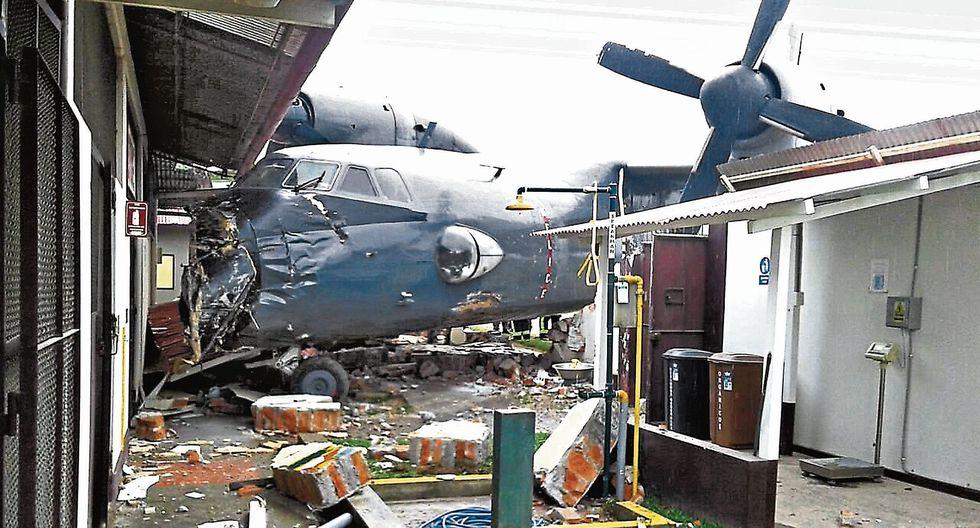 El avión Antonov AN32B, de la Marina de Guerra, se estrelló el 4 de octubre de 2017 en la sede policial de Mazamari. (USI)